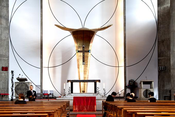 素敵な教会で結婚式!都内なら目黒のアンセルモ教会がオススメ