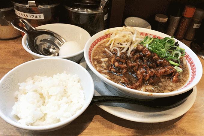 肉汁麺ススム三田店    麺とライスが同時にススムというダブルトラップ